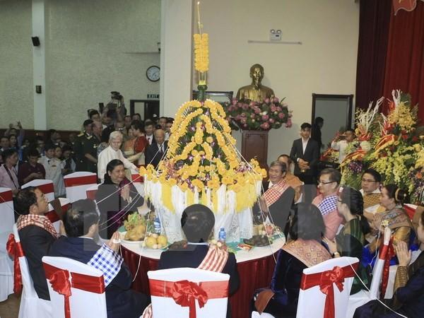 Laos' traditional Bunpimay festival held in Hanoi - ảnh 1