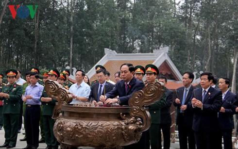 President Tran Dai Quang pays tribute to President Ho Chi Minh - ảnh 1