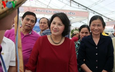 NA Chairwoman attends Quang Ninh OCOP fair - ảnh 1