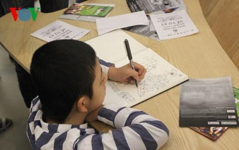 越南举行活动响应世界自闭症日 - ảnh 1