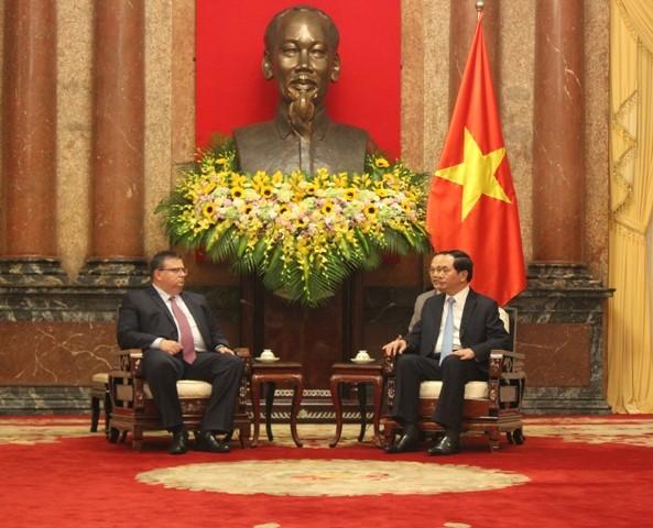 越南国家主席陈大光会见保加利亚总检察长察察罗夫 - ảnh 1