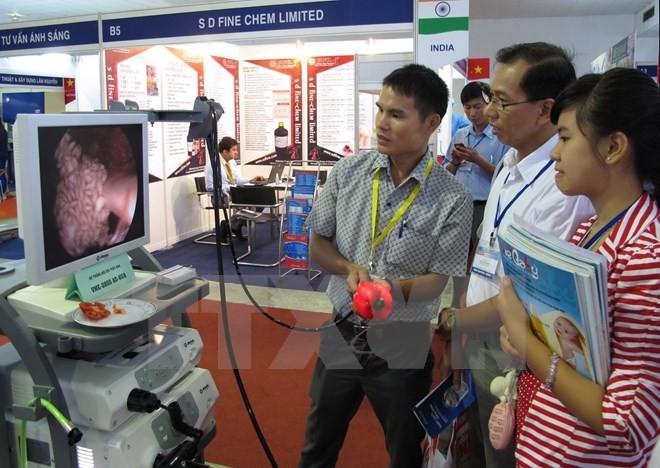 第11届越南国际医疗展在胡志明市开幕 - ảnh 1
