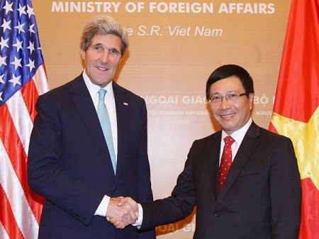 美国国务卿克里对越南、法国、英国和瑞士进行访问 - ảnh 1