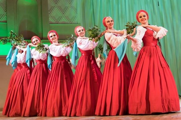 """俄罗斯国家模范""""小白桦""""舞蹈艺术团即将来越演出 - ảnh 1"""