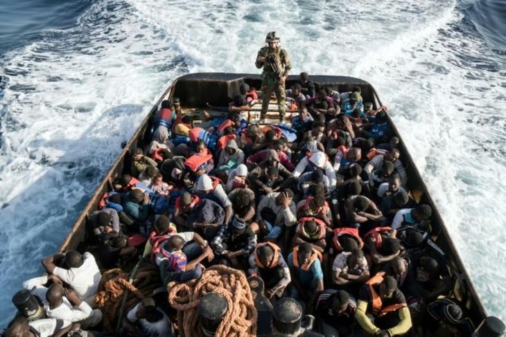 Méditerranée : 8 000 migrants secourus en 48 heures - ảnh 1