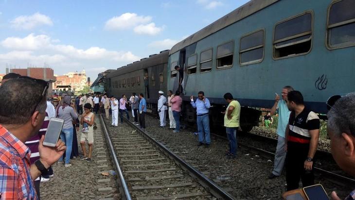 Egypte: au moins 40 morts dans une collision entre deux trains - ảnh 1