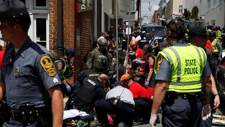 Etats-Unis: un mort lors d'un rassemblement d'extrême droite en Virginie  - ảnh 1