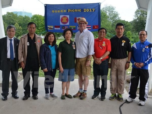 Journée sportive et gastronomique de l'ASEAN au Canada - ảnh 1