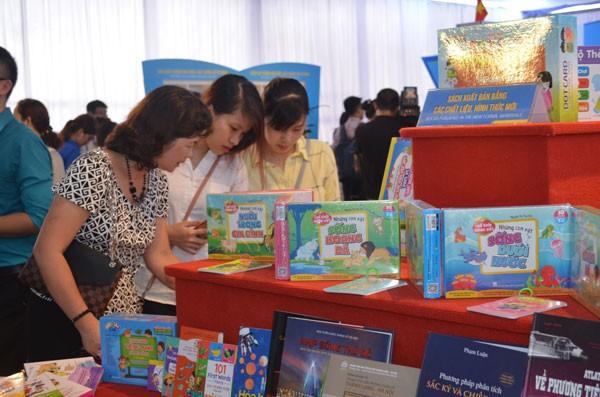 Coup d'envoi du 6ème salon international du livre vietnamien - ảnh 1