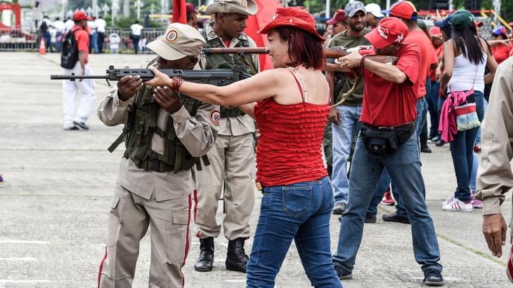 """Le Venezuela déploie chars et militaires face à la """"menace"""" américaine - ảnh 1"""