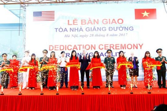 Aides américaines pour le Centre de maintien de la paix du Vietnam - ảnh 1