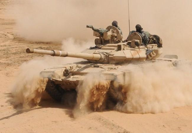 Syrie: 800 terroristes de l'EI tués dans la vallée de l'Euphrate - ảnh 1
