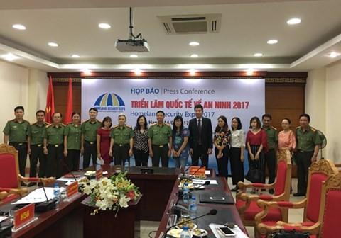 Exposition internationale sur la sécurité du Vietnam 2017 - ảnh 1