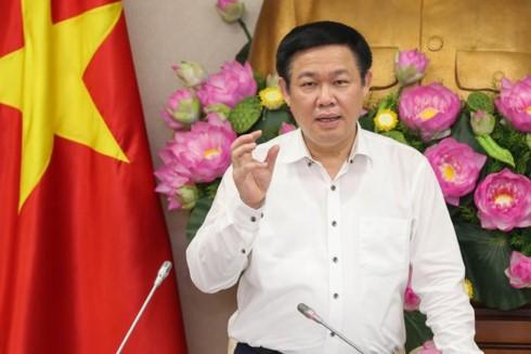 Vuong Dinh Hue veille à la bonne diffusion du programme télévisé pour les pauvres - ảnh 1