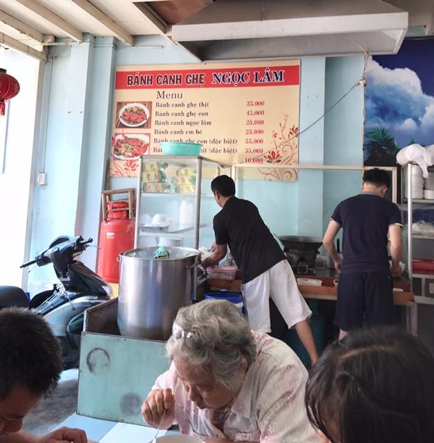 «Бань-кань-ге» - знаковое блюдо вьетнамского морского города Вунгтау - ảnh 1