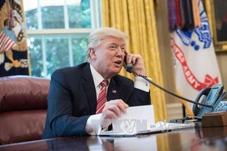 Президенты США и Франции обсудили меры по урегулированию ситуации в Сирии и Ираке  - ảnh 1