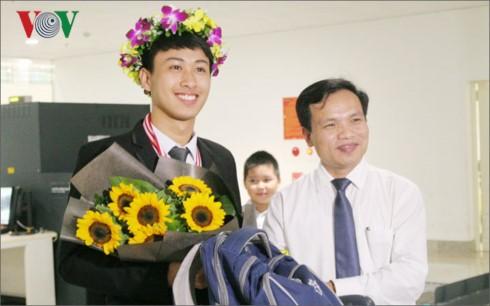 О Нгуен Тхэ Куине, дважды завоевавшем золото на Международной олимпиаде по физике - ảnh 1