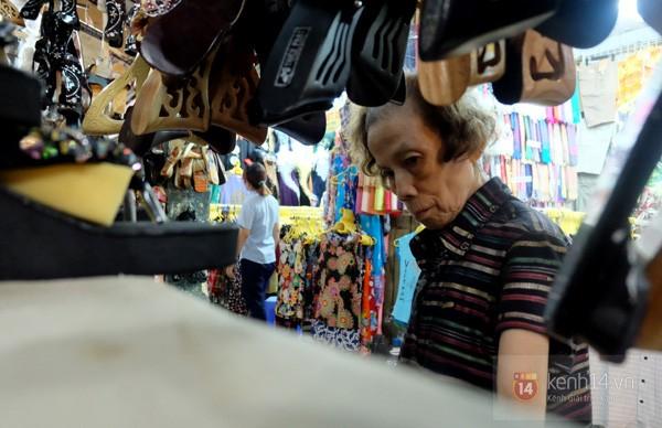 Об обувщице Нгуен Тхи Лиен, которая бережно сохраняет народное ремесло - ảnh 1
