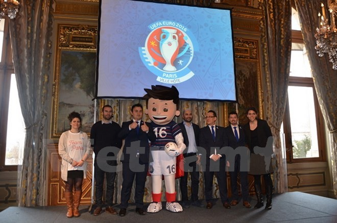 Various activities in Paris to welcome tourists to EURO 2016 - ảnh 1