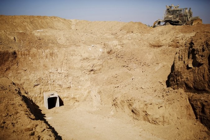 Israelis uncover new tunnel built by Hamas - ảnh 1