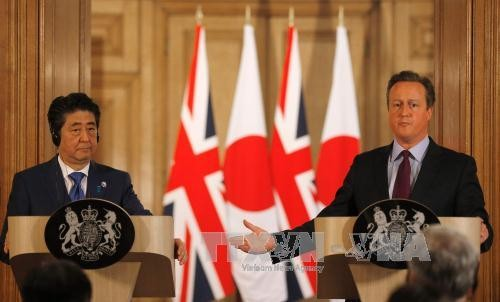 Japanese PM Shinzo Abe says quitting the EU would make the UK less attractive to Japanese investors - ảnh 1