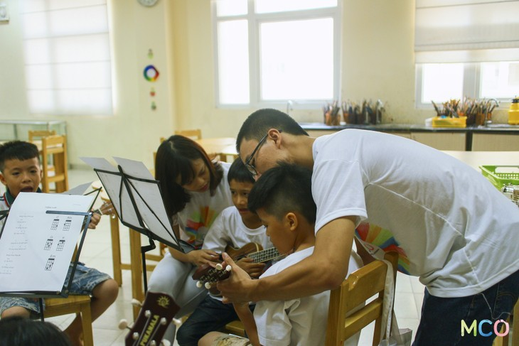 The Hanoi Miracle Choir and Orchestra: When music changes life - ảnh 2