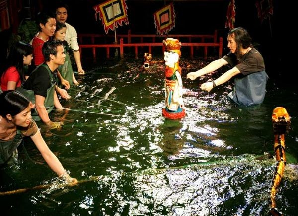 Vietnamese water puppet's design and manipulation   - ảnh 3
