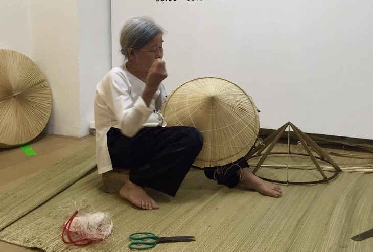 Tri Lễ - a village that makes traditional palm leaf hats - ảnh 4