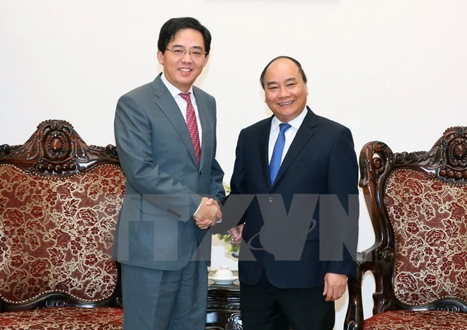Vietnam, China continue to foster comprehensive cooperative relations - ảnh 1