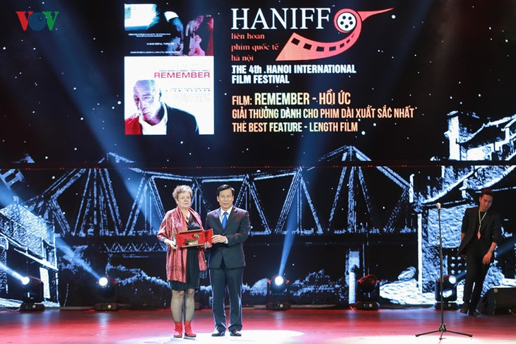 Spectaclular closing ceremony of Hanoi International Film Festival  - ảnh 11