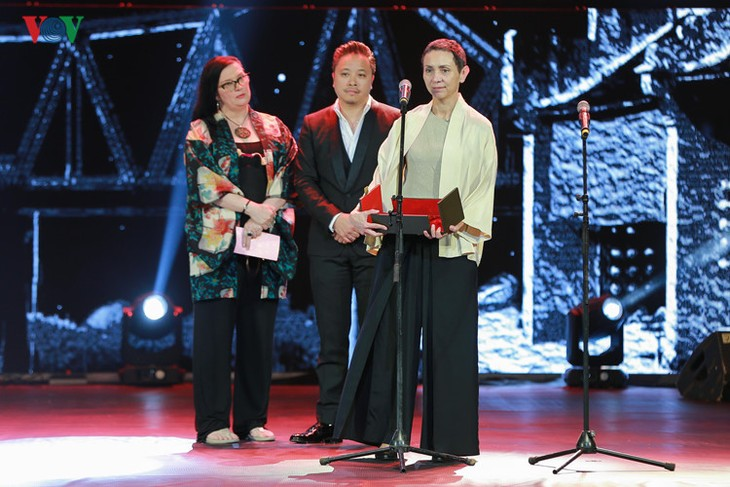 Spectaclular closing ceremony of Hanoi International Film Festival  - ảnh 4