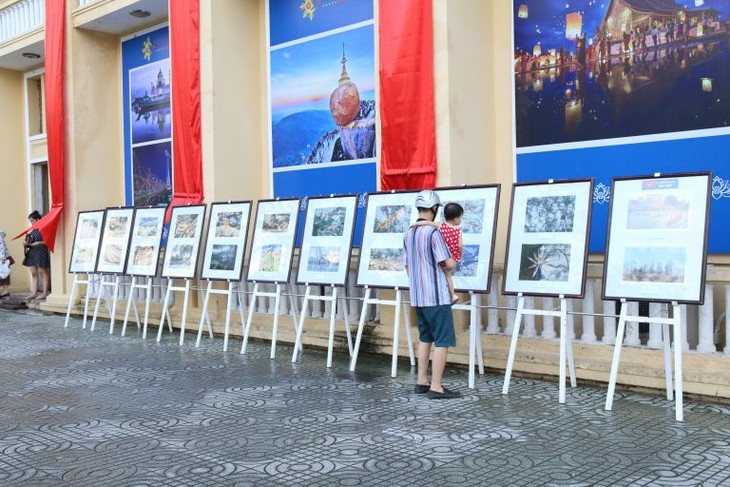 Photos of ASEAN people and culture on display - ảnh 1