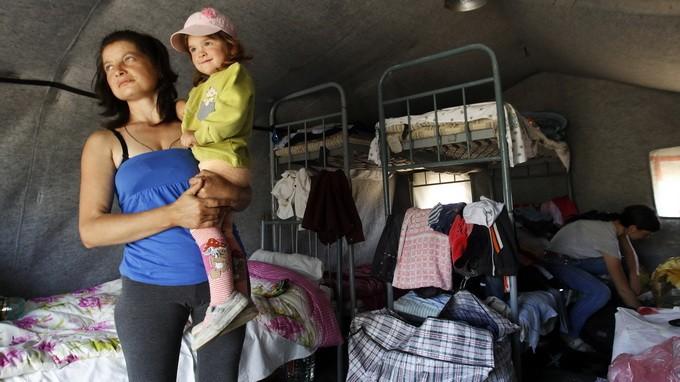 Поток беженцев из Донецка и ближайших населенных пунктов усилился - ảnh 1