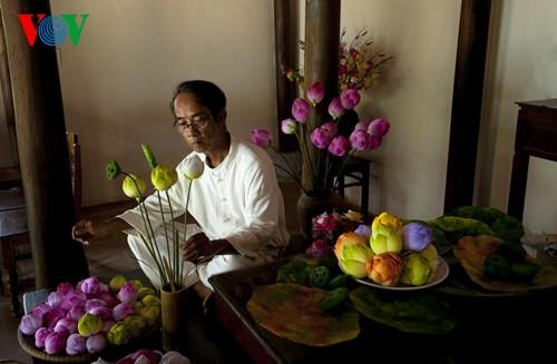 Деревня по изготовлению бумажных цветов в Хюэ - ảnh 13