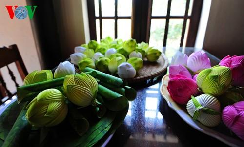 Деревня по изготовлению бумажных цветов в Хюэ - ảnh 15