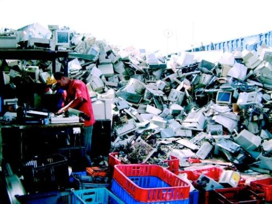 Вьетнам выступает за создание устойчивой и безопасной электронной промышленности - ảnh 1