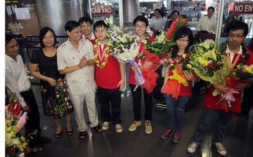 Вьетнамские школьники достигли больших успехов на 25-й международной Олимпиаде по биологии - ảnh 1