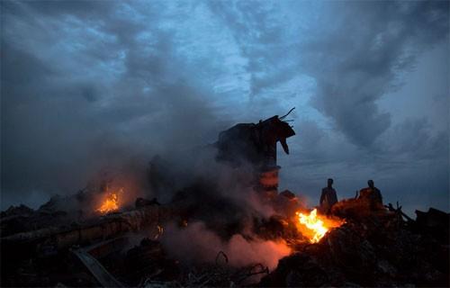 Малайзийский самолет упал на востоке Украины - ảnh 1