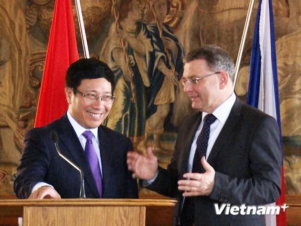 Вице-премьер, глава МИД СРВ находился в Чешской Республике с официальным визитом - ảnh 1