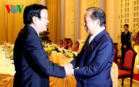 Президент СРВ принял главу комиссии по бюджетным вопросам нижней палаты японского парламента - ảnh 1