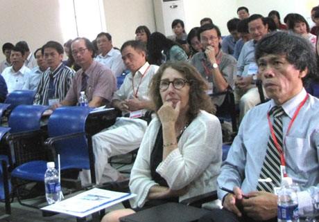 В городе Хюэ прошел 5-й французско-вьетнамский семинар по математике - ảnh 1