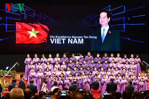Премьер Вьетнама принял участие в церемонии открытия 26-го саммита АСЕАН - ảnh 1