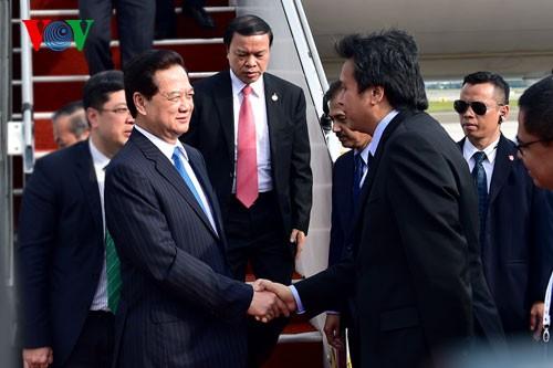 Премьер Вьетнама прибыл в Куала-Лумпур для участия в 26-м саммите АСЕАН - ảnh 2