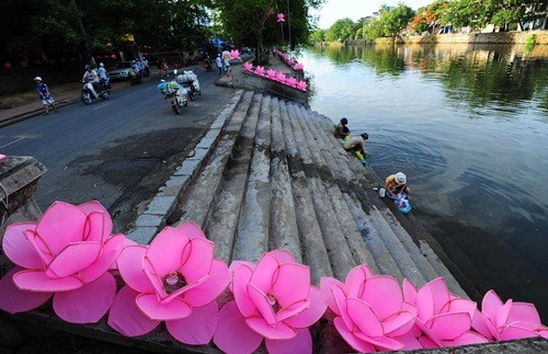 Великий буддийский праздник в Хюэ - ảnh 6