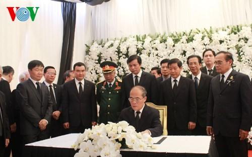 Делегация Вьетнама простилась с лидером Народной партии Камбоджи - ảnh 1