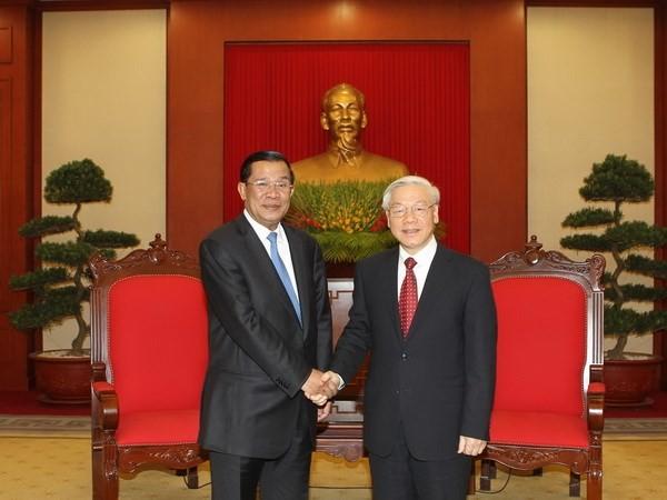 Генсек ЦК КПВ поздравил Хун Сена с избранием на пост предселателя Народной партии Камбоджи - ảnh 1