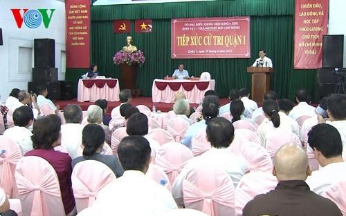 Президент СРВ Чыонг Тан Шанг встретился с избирателями города Хошимина - ảnh 2
