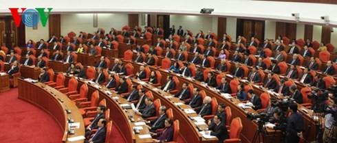 В Ханое завершился 12-й пленум ЦК Компартии Вьетнама 11-го созыва - ảnh 2