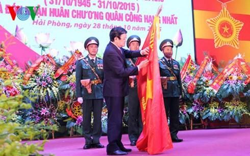 Президент СРВ Чыонг Тан Шанг наградил орденом «За боевую доблесть» 3-й военный округ страны - ảnh 1