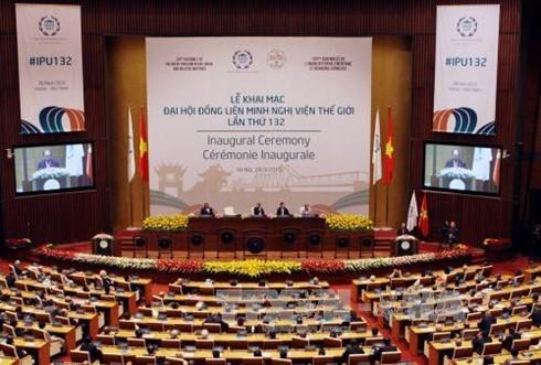 10 главных событий Вьетнама в 2015 году по мнению Радио «Голос Вьетнама» - ảnh 4